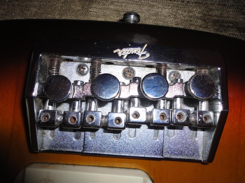 Fender Precision Bass Elite 1983 DSC05153Medium