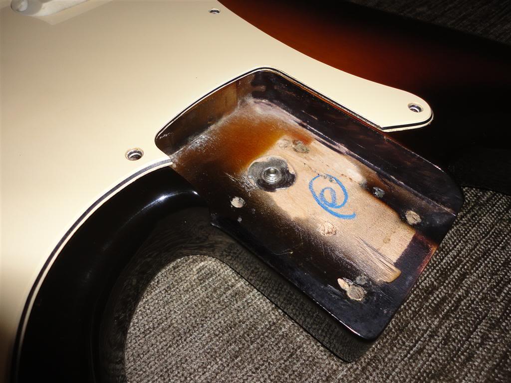 Fender Precision Bass Elite 1983 DSC05160Medium