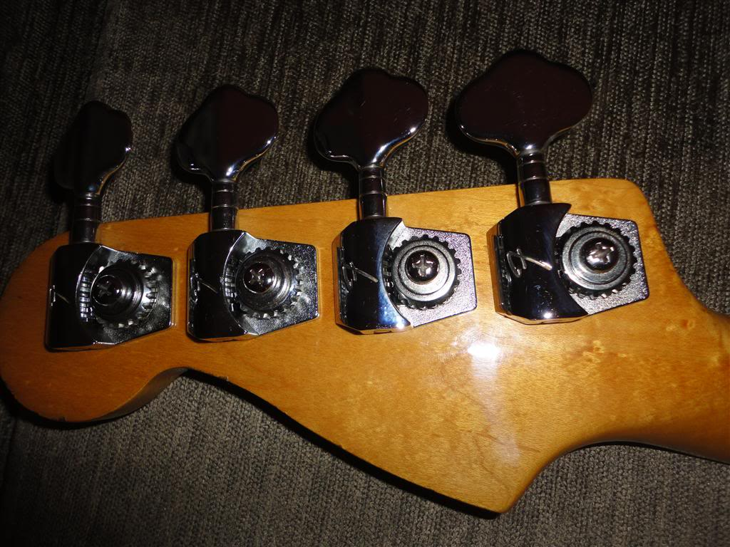 Fender Precision Bass Elite 1983 DSC05192Medium