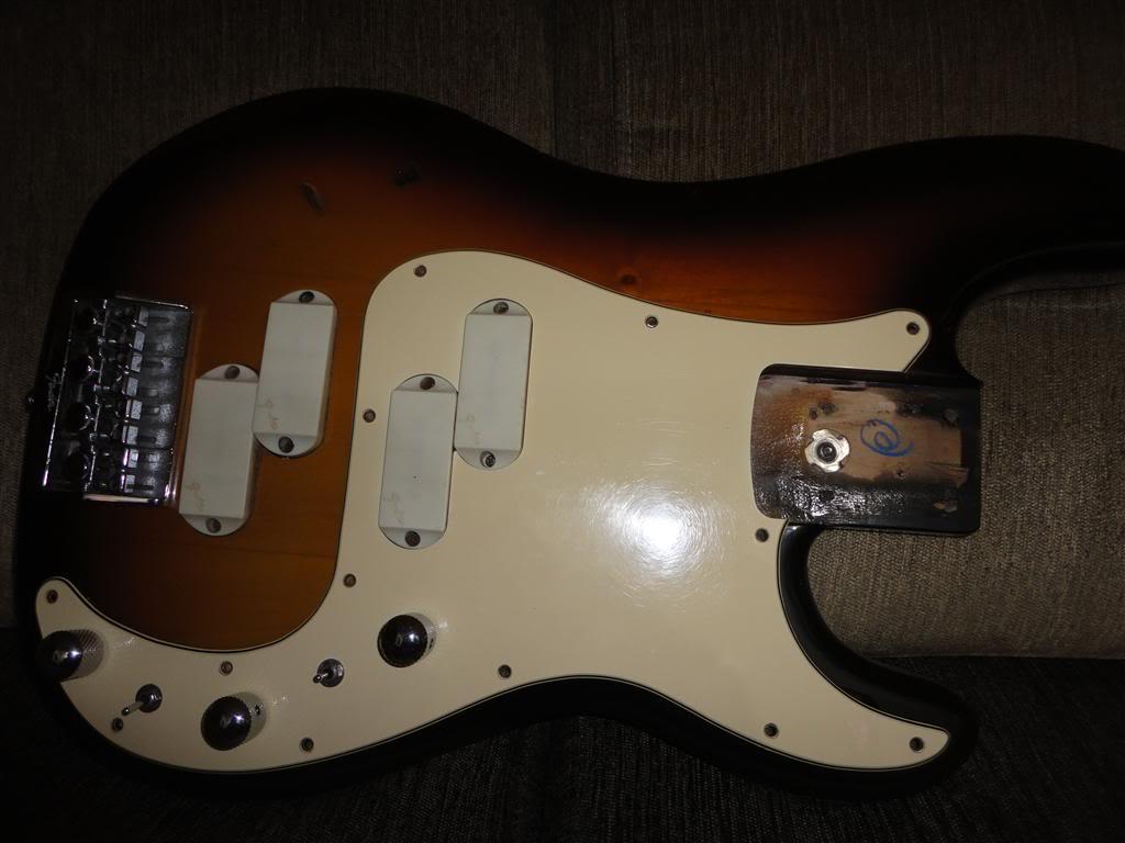 Fender Precision Bass Elite 1983 DSC05198Medium