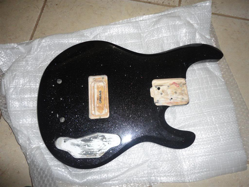 Pintura Music Man Black Sparkle - MUSIC KOLOR DSC02803Medium