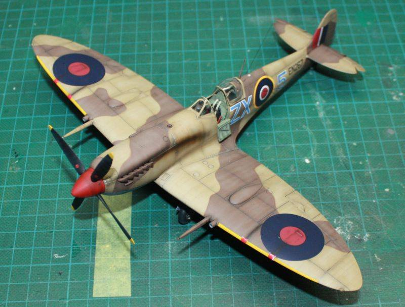 Spitfire Mk IX Early Version Spit156