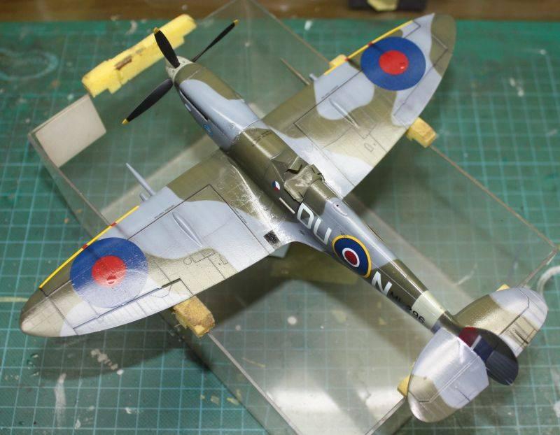 Spitfire Mk IX Eduard 1/48 SpitfireMKIX154-1