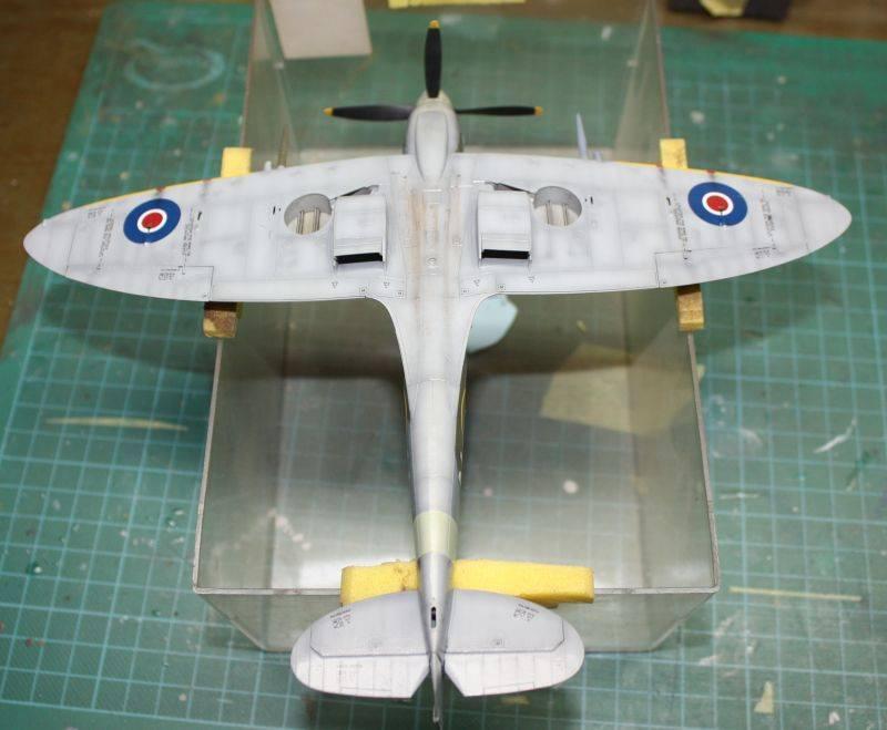 Spitfire Mk IX Eduard 1/48 SpitfireMKIX159-1