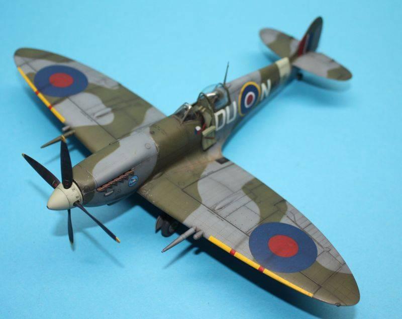 Spitfire Mk IX c 1/48 Eduard SpitfireMKIX198