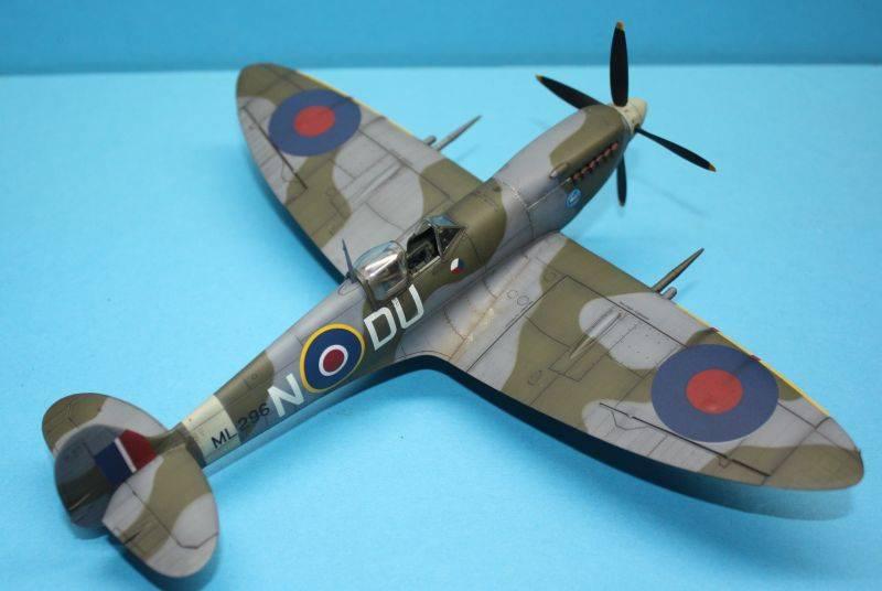 Spitfire Mk IX c 1/48 Eduard SpitfireMKIX200
