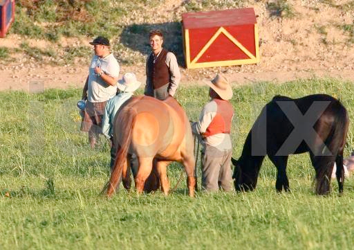 Water for Elephants : Photos  + Vidéos du tournage... - Page 3 008d8zrg