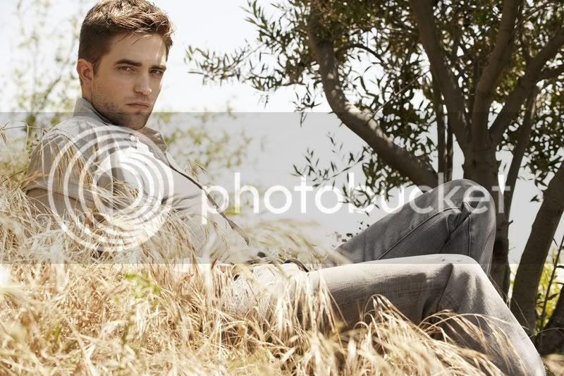 Nouveaux outtakes du shooting de Robert Pattinson pour Carter SMITH - Page 2 009qq4kb
