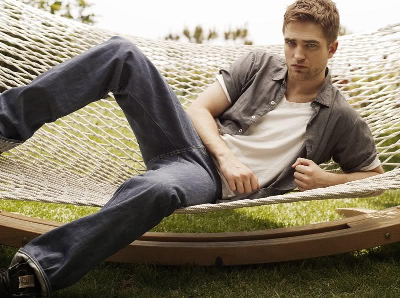 Nouveaux outtakes du shooting de Robert Pattinson pour Carter SMITH - Page 2 009qr3gc