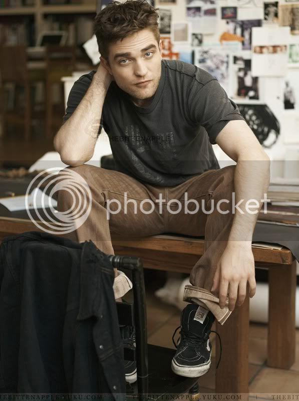Nouveaux outtakes du shooting de Robert Pattinson pour Carter SMITH - Page 2 09