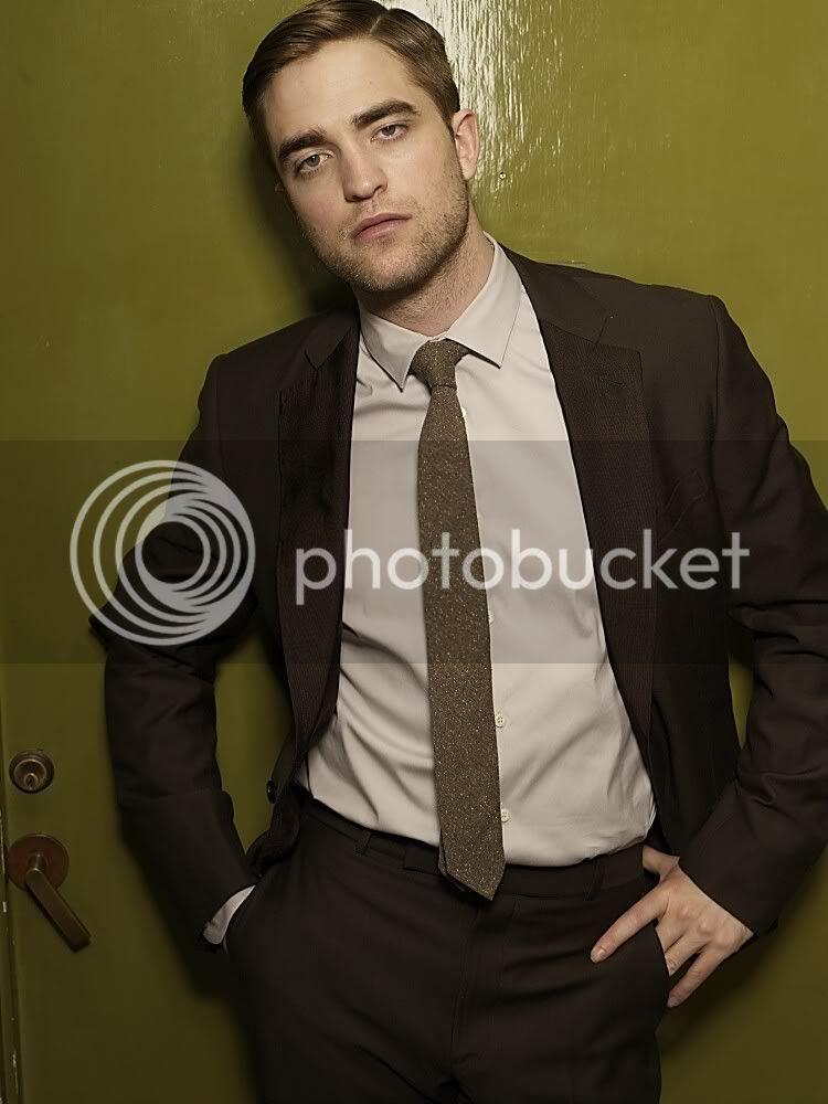 Nouveaux outtakes du shooting de Robert Pattinson pour Carter SMITH - Page 5 26-3
