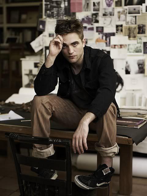 récap' Outtakes Robert Pattinson pour TVweek (Carter SMITH ) F7RYWl