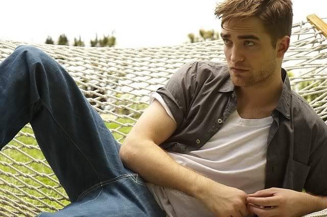 récap' Outtakes Robert Pattinson pour TVweek (Carter SMITH ) B6IETl