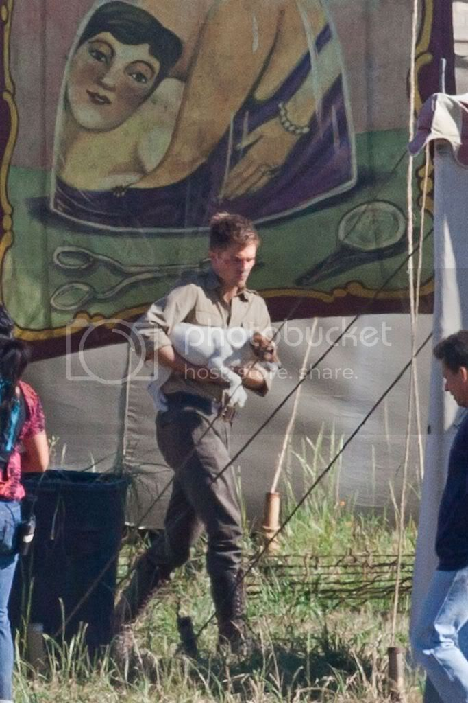 Water for Elephants : Photos  + Vidéos du tournage... - Page 6 Wfe_july7th_009