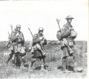 Highland Uniforms of the CEF 42nd_1918_canal_du_nord