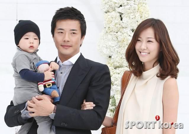 La Boda de Jang Dong Gun y Ko So Young 2010050217060053282_170541_0