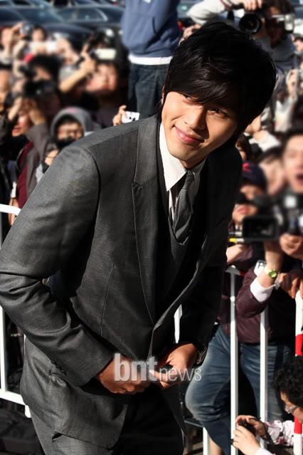 La Boda de Jang Dong Gun y Ko So Young 2010050218041587602_180753_0