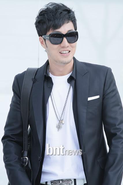 La Boda de Jang Dong Gun y Ko So Young 2010050218103890902_181244_0