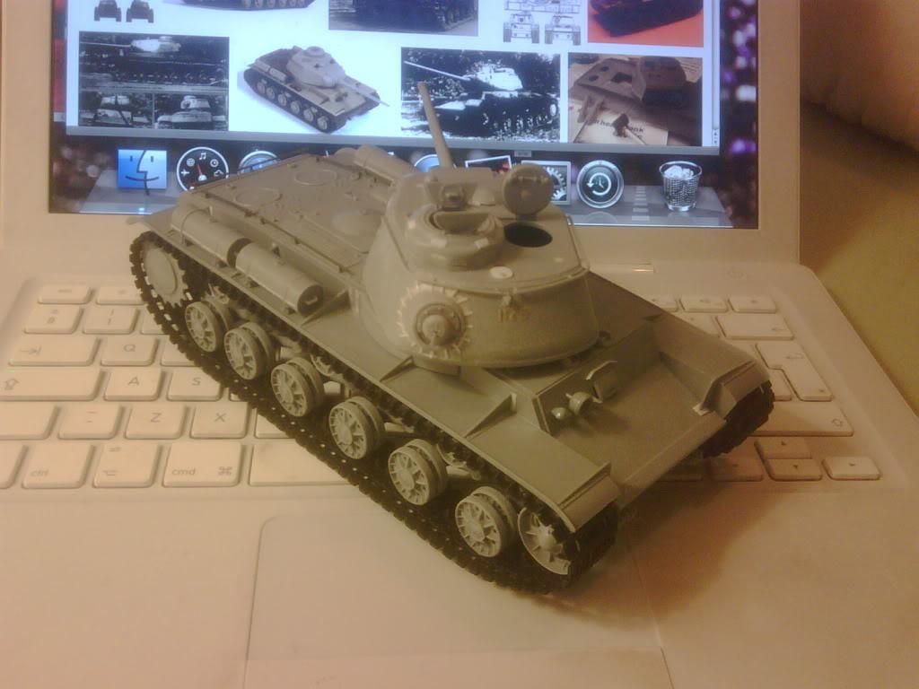 ARK Models 1:35 KV-85 IMG03212-20130206-1959_zpsa93c14b9
