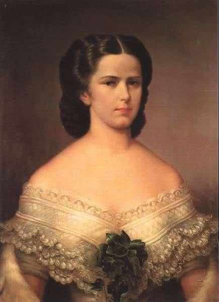 Retratos e imágenes de la emperatriz Elisabeth - Página 2 Newgranddress