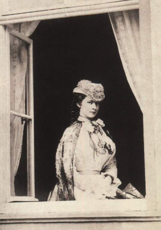 Retratos e imágenes de la emperatriz Elisabeth - Página 2 Window
