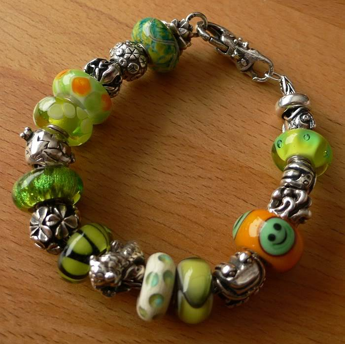 Show your bracelet with the smiley bead! GreenDillobracelet