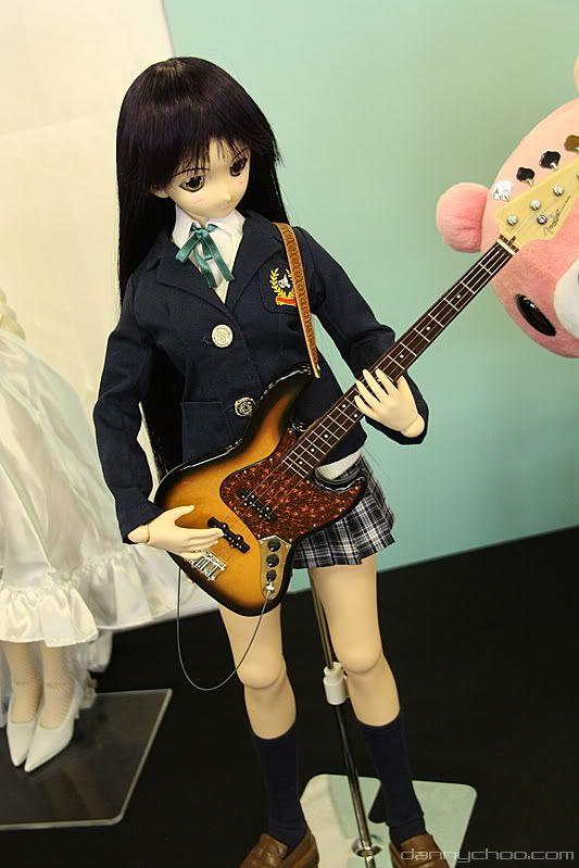 Akiyama Mio vira doll O.O 3479400957_e308fa576a_o