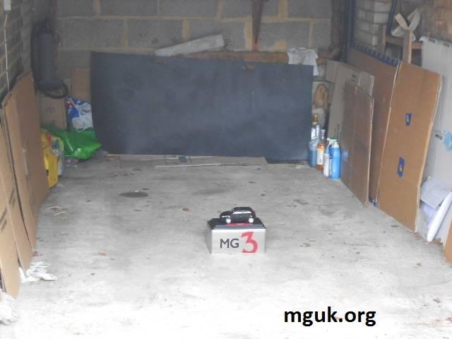 News from MG MOTOR UK Ltd - Page 15 PatsnewMG3fitsinhisgarage_zpsde17e894