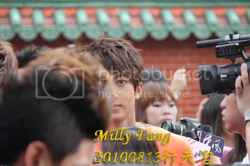 [2010.08.13]【Momocwa】Fahrenheit Brought ZE:A To Temple (17P) 20100813071