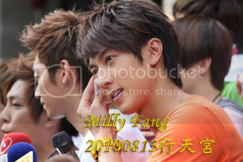 [2010.08.13]【Momocwa】Fahrenheit Brought ZE:A To Temple (17P) 20100813127