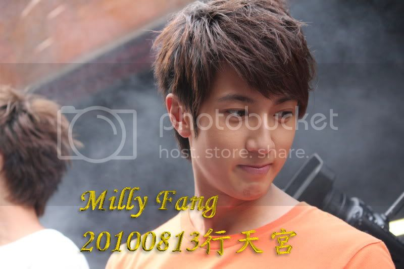 [2010.08.13]【Momocwa】Fahrenheit Brought ZE:A To Temple (17P) 20100813193