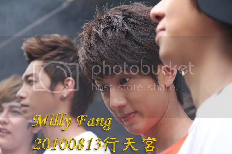 [2010.08.13]【Momocwa】Fahrenheit Brought ZE:A To Temple (17P) 20100813194