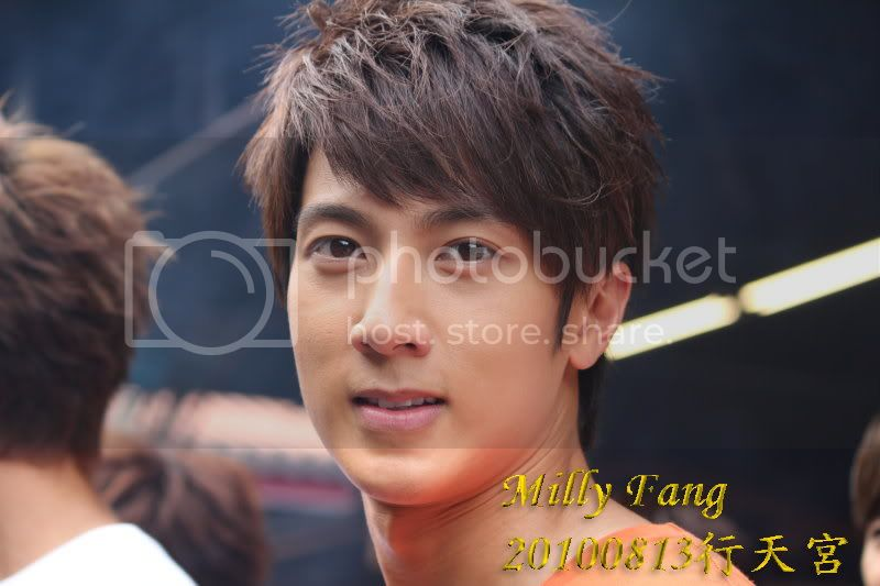 [2010.08.13]【Momocwa】Fahrenheit Brought ZE:A To Temple (17P) 20100813214