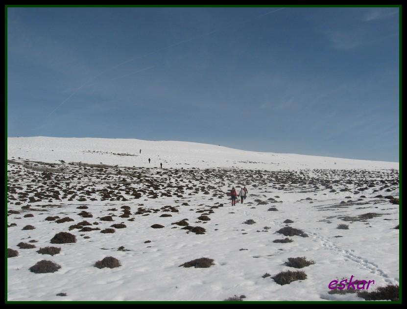 PICO ARO 1127 MTS DESDE AÑES P24