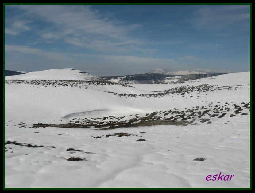 PICO ARO 1127 MTS DESDE AÑES P33