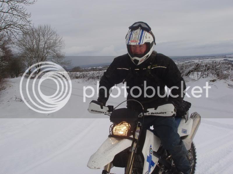 Pigging Snow P1310006