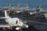 A-4 Skyhawk Th_800px-A-4F_VA-55_CVA-19_1972