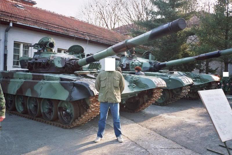 M-84AB1 T-72__