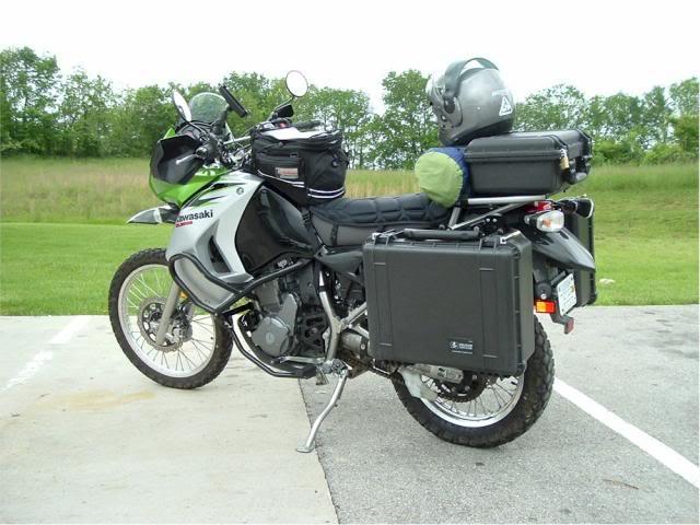 Baúles, alforjas, bolsos,  bidones de combustible, anclajes, etc. DSCF0201sm_zps20567484