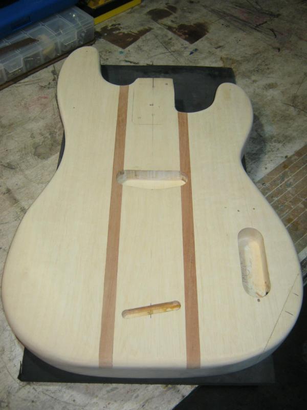 Projeto Precision Bass - Página 2 857454_474150645976282_2110477039_o