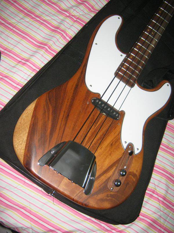 Precision Bass 51 - Finalizado. - Página 2 IMG_1853_zpse2e92f92
