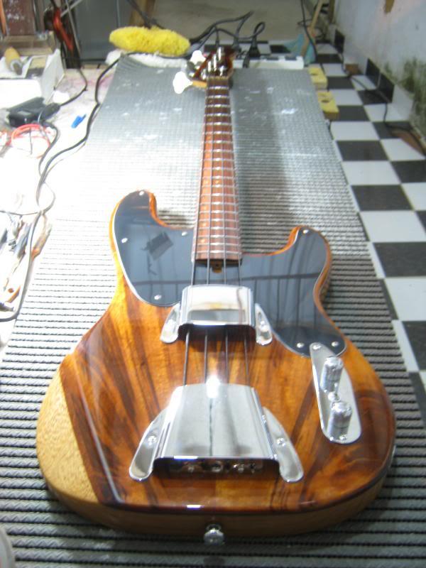Precision Bass 51 - Finalizado. - Página 2 IMG_2406_zps7fc974f8