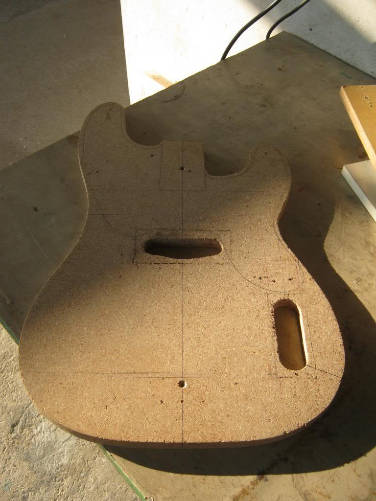 Projeto Precision Bass - Página 2 GabaritoCorpo_zps844d5d5f
