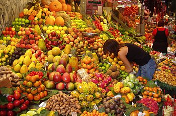 masama ang kanin sa katawan..naniniwala ba kayo?? 350px-Fruit_Stall_in_Barcelona_Market