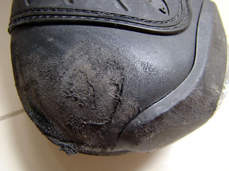 Jaqueta, luva, capacete, calça.... quem usa? DSC06692