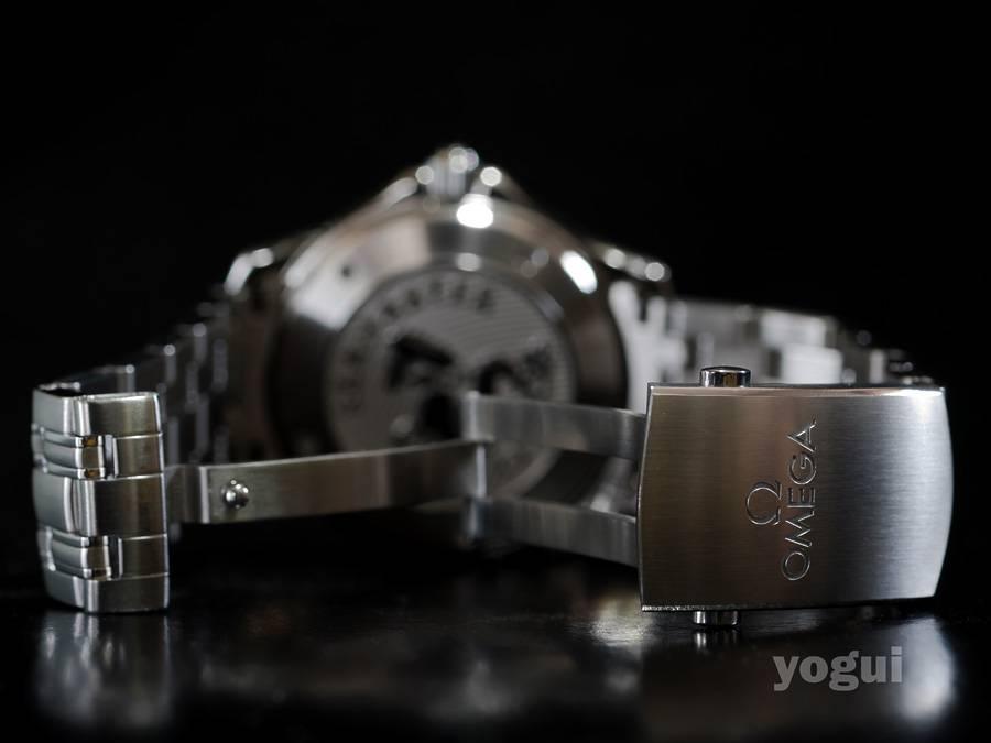 presento Omega Seamaster 300mm 2123.04 A%20omega%20seamaster%20300m%202123.04%20ceramic%20016