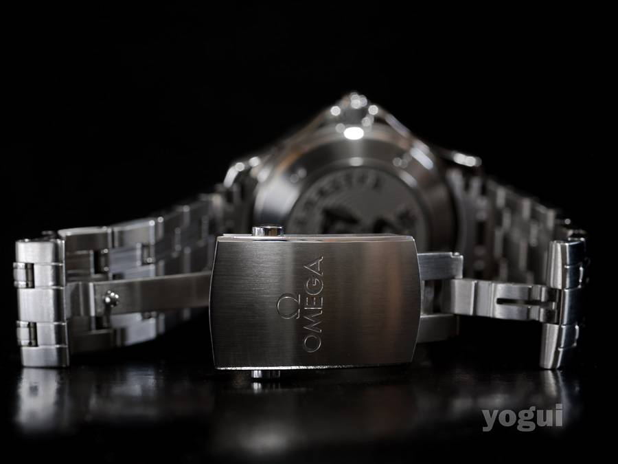 presento Omega Seamaster 300mm 2123.04 A%20omega%20seamaster%20300m%202123.04%20ceramic%20017