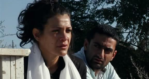 تحت القصف (2007) Under The Bombs 7