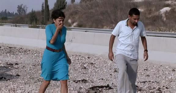 تحت القصف (2007) Under The Bombs 8