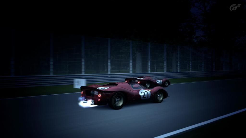 15 Monza - Ferrari 330 P4 AutodromoNazionalediMonza_4_zps4f9f3bd8